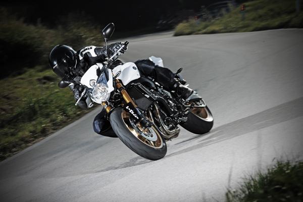 Jaunums - Pirelli DIABLO ROSSO II moto riepas