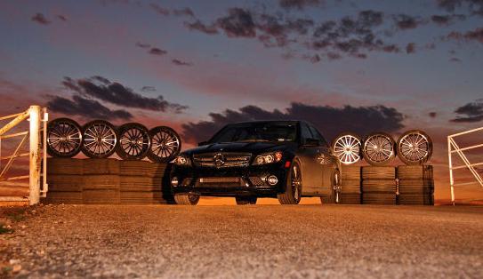 Auto Bild: vasarinių padangų testas 235/35R19 dydžio, skirtų priekinei ašiai ir 255/30R19, skirtų galinei ašiai (2010)