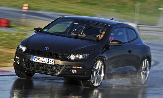 Auto Bild: Riepas sportiskām automašīnām 245/30R20 (2012)