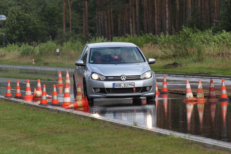Auto Motor und Sport теcт летних шин размерноcти 195/65R15 (2012)