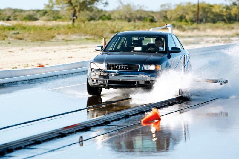 Auto Motor und Sport riepu tests izmērā 245/45R18 (2012)