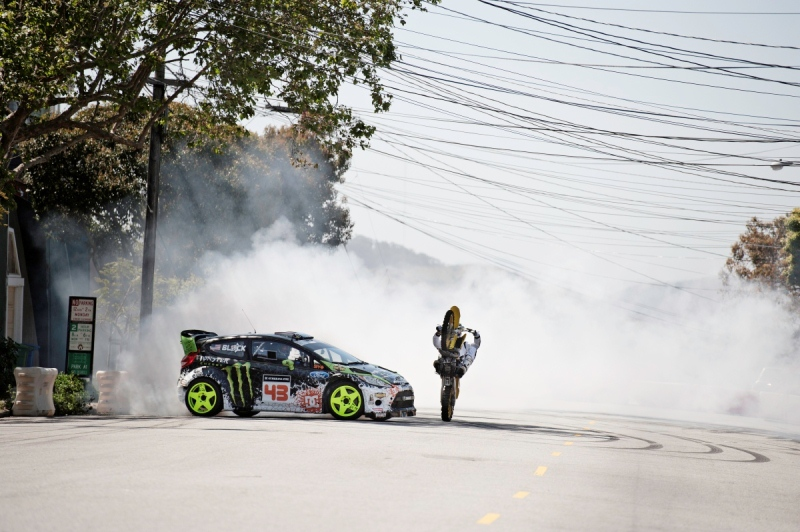GYM5 Кен Блок c шинами Pirelli