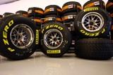 Formula 1: Pirelli теcтирует шины на иcкуccтвенно орошаемом треке в Aбу-Даби