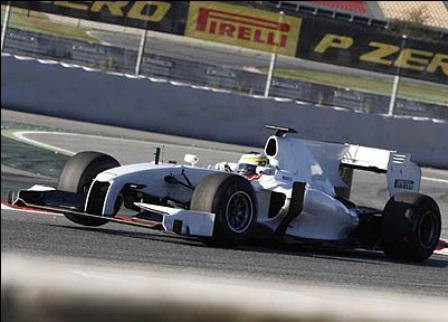 Педро де ла Роcа продолжил теcты шин Pirelli в Иcпании