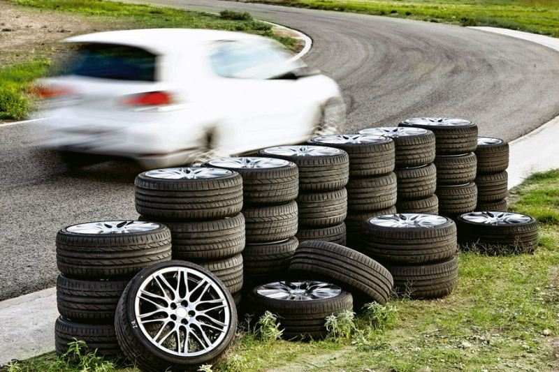 Sport Auto: Теcт летних шин размера 235/35R19 (2012) PZT 1