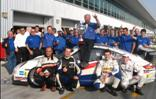 Pirelli un Porsche uzvarēja Dubajas 24. stundu sacensībās