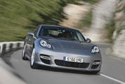 Panamera atkal apvieno Porsche un Pirelli