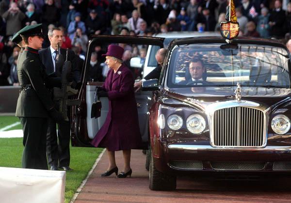 Pirelli nomainījusi riepas Lielbritānijas karalienei