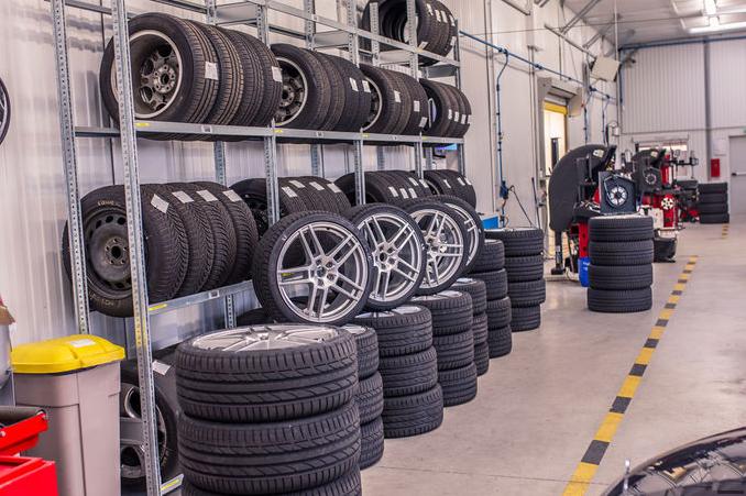 Sport Auto: Тест летних шин размера 235/35 R19 (PZe-1/15)