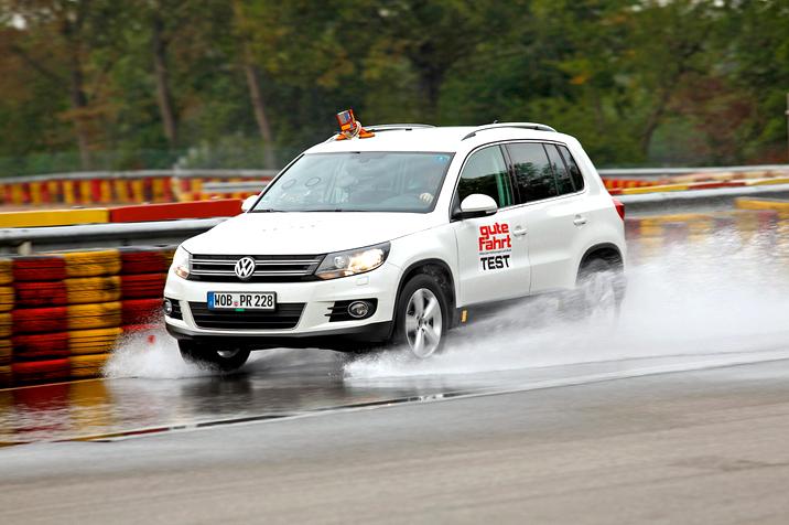Gute Fahrt: Vasarinių 225/45 R17 dydžio padangų testas (PCP7-1/15)
