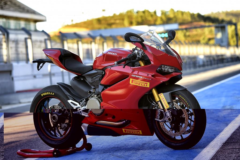Шины Pirelli вошли в комплектацию мотоциклов Ducati семейства Panigale